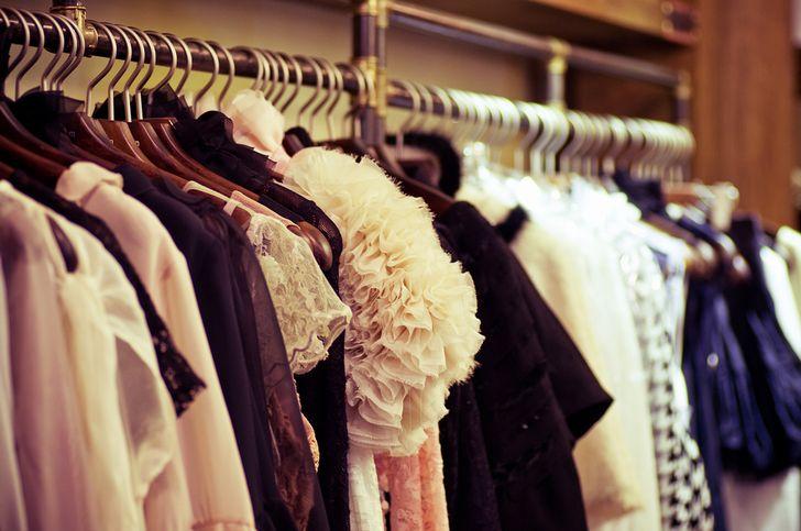 結婚式のドレス選び、30代がオバさんにならないためのレンタル衣装