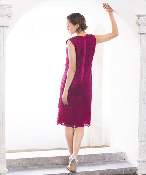 結婚式のドレス、20代後半の女性はどんな衣装を着るべきなのか?